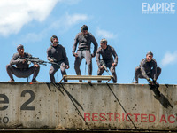 Imagen para 'he Dawn of the Planet of the Apes' ¿Lo Simios portan armas?