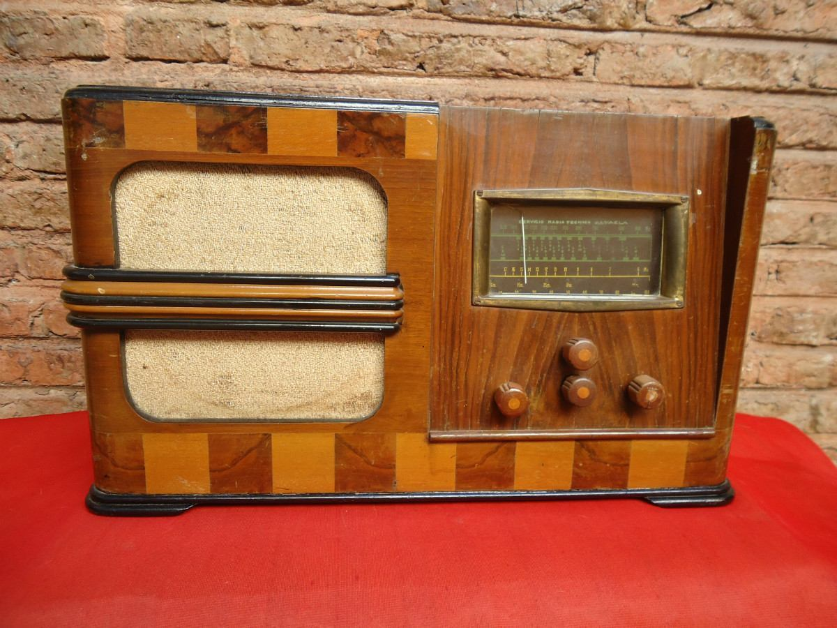 Restauracion radio antigua