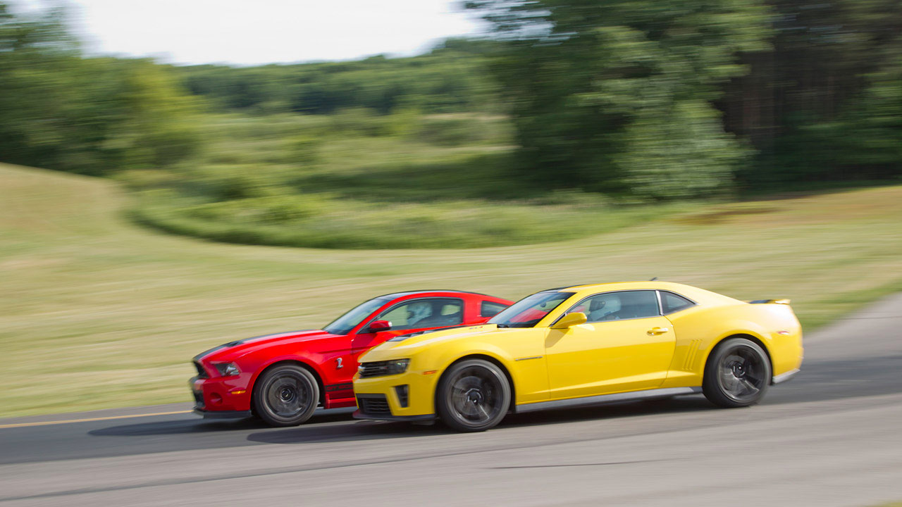 Ford Shelby Gt500 Vs Chevrolet Camaro Zl1 2013 Autos Y